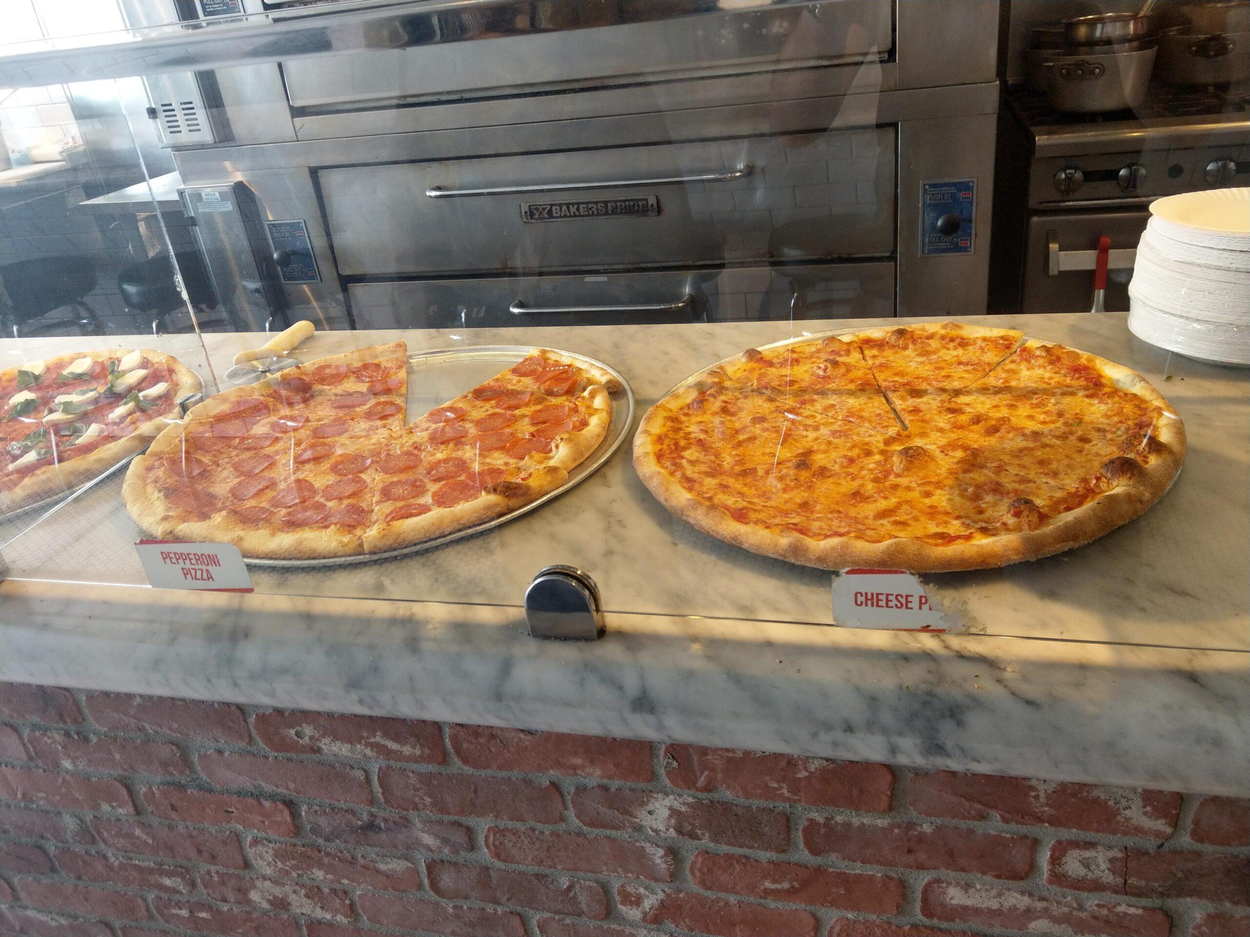 ロサンゼルスのJoe`s Pizza