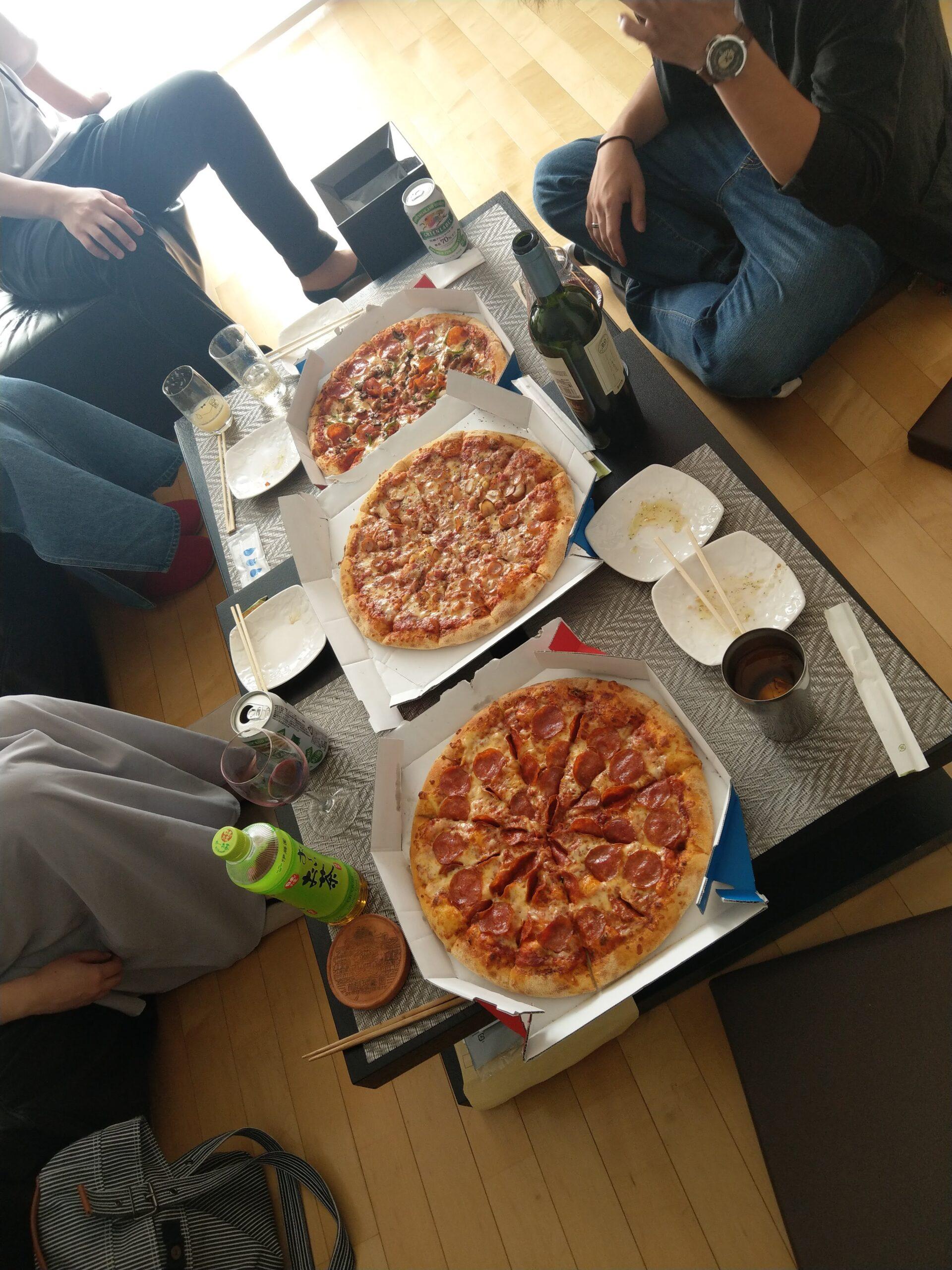 ドミノピザでピザパーティ