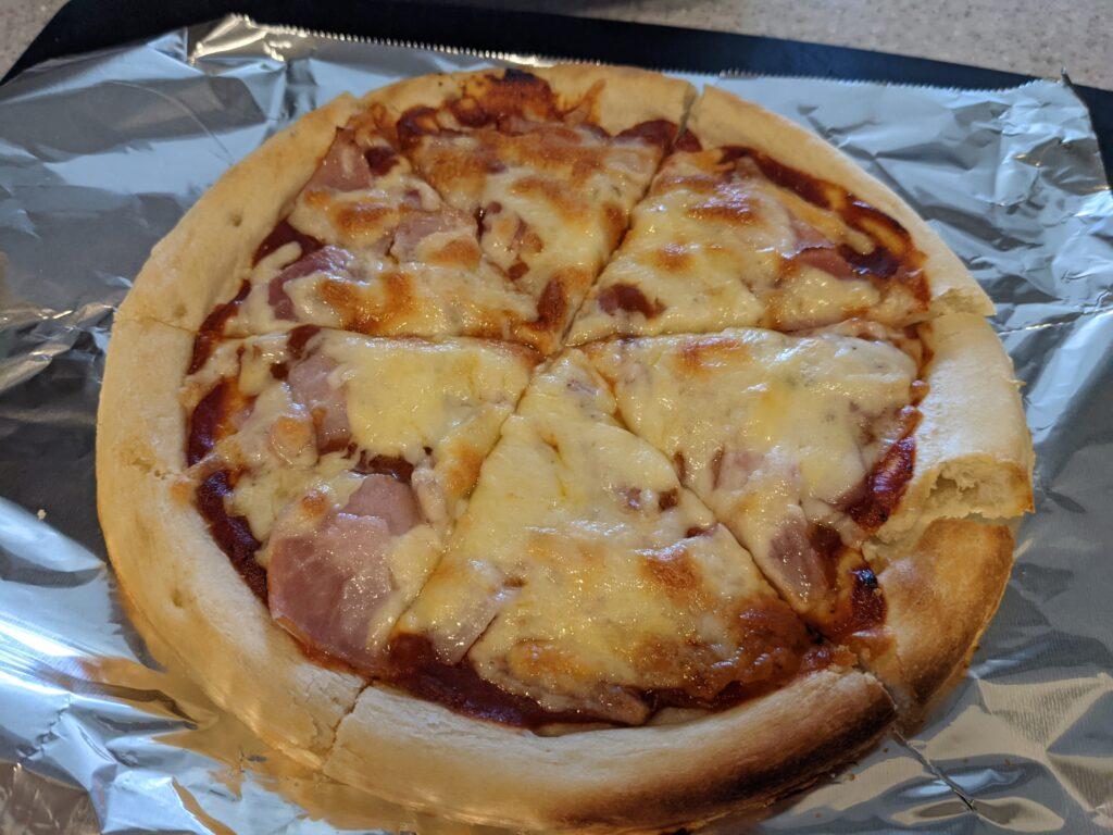 ナポリ風ピザクラストで作ったピザ