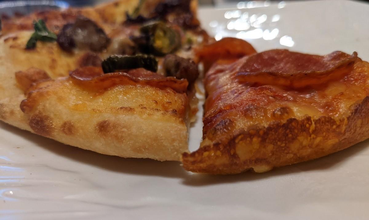 ドミノピザのハンドトスとパンピザ